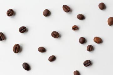 Zrnka kavy